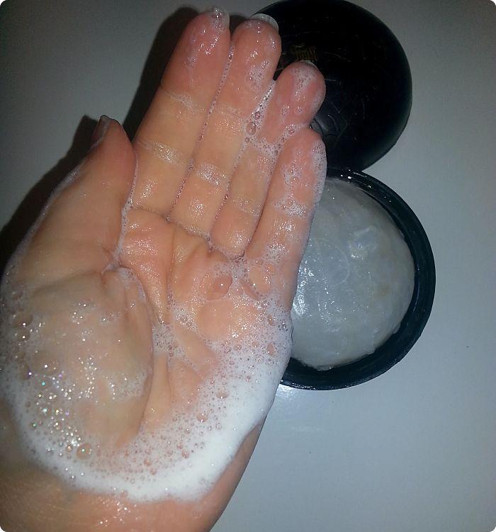 hanbit-bamboo-salt-daeil-mud-soap-detalle