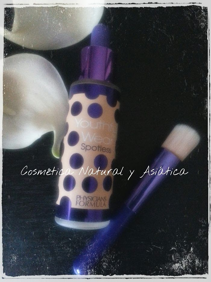 Physician's Formula: Youthful Wear, Cosmeceutical Youth-Boosting, Spotless Foundation & Brush, SPF 15