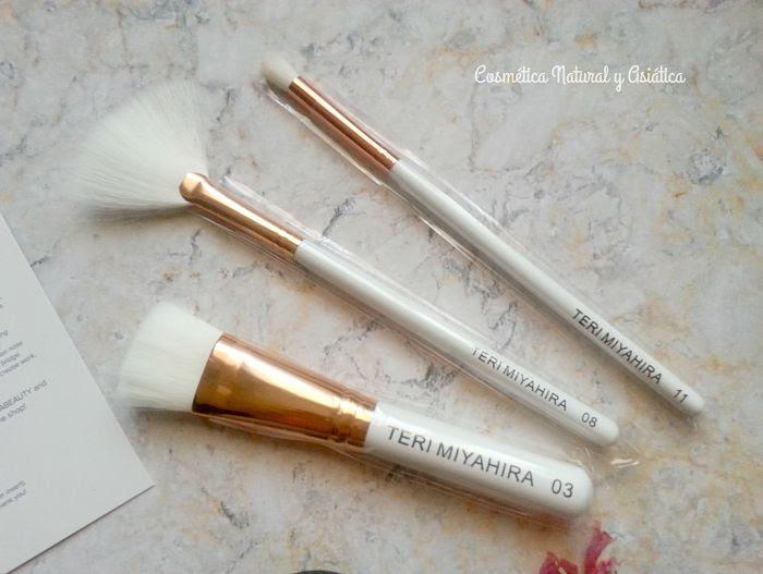 Vegan-Rose-Gold-3-Piece-Brush-Teri-Miyahira-Beauty