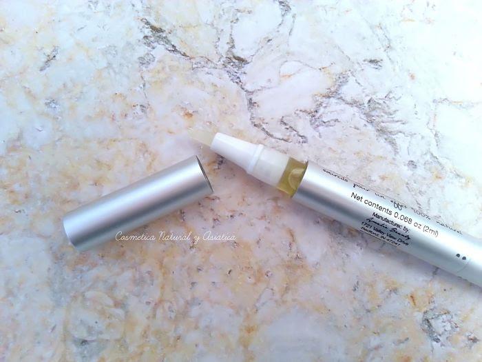 amalie-beauty-wink-organic-lash-and-brow-oil-detalle